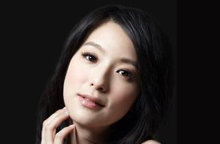赖雅妍的相片